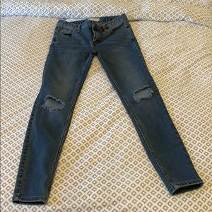 Free People distressed jeans sz 25 like new
